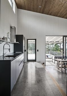 Villa Boo, Salthamn – M. Modern Wooden House, Minimal Home, Indian Home Decor, Living Room Remodel, House Rooms, Interior Design Living Room, Home Remodeling, Home Kitchens, Kitchen Decor