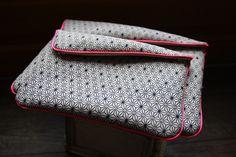 Pochette ipad motif asanoha - tissu traditionnel japonais - : Housses ordinateurs et tablettes par byzoon