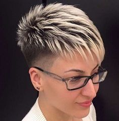 Funky short pixie haircut long bangs ideas 06 If you would like a hairdo that is definitely bold, then pixie may be the perfect pick. Pixie haircut is an excellent idea if you're young enough. A pixie haircut is a brief haircut with layers. Funky Short Hair, Super Short Hair, Short Grey Hair, Short Hair Cuts For Women, Long Hair Cuts, Short Hairstyles For Women, Short Hair Styles, Short Hair Long Bangs, Black Hair