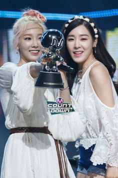 150716 SNSD PARTY MCountdown  : Taeyeon, Tiffany