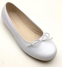 73.00 Andrea Flat - White