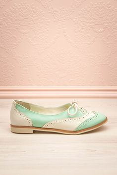 Birmingham Oxford Shoes ..... ummm i Must get these so freaking cute !!!