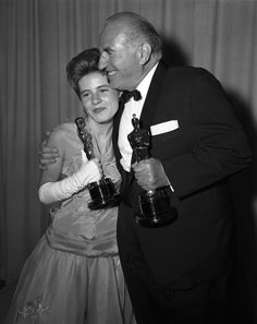 """Best Supporting Actress Patty Duke (""""The Miracle Worker"""")  with Best Supporting Actor Ed Begley (""""Sweet Bird of Youth"""")."""