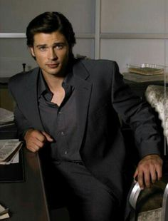 Image may contain: 1 person, sitting and suit Tom Welling Smallville, Saga, King Tom, Superman Movies, Superman Stuff, Celebrities Then And Now, Kristin Kreuk, Hot Hunks, Clark Kent