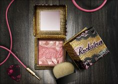 Benefit Cosmetics - rockateur blush: This rockin' rose gold cheek powder gives a famously provocative flush that turns heads on-stage and off. Benefit Cosmetics, Benefit Makeup, All Things Beauty, My Beauty, Beauty Makeup, Beauty Hacks, Beauty Ideas, Beauty Box, Benefit Rockateur