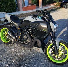 Shameless photo included (frame plugs soon) Ducati Diavel, Bike, Vehicles, Motorcycles, Passion, Female, Ideas, Motorbikes, Automobile