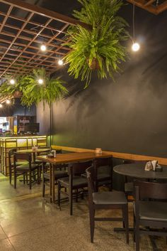 Image 17 of 21 from gallery of Botequim Sapucaí / Alfredo Lanna Neto + Mateus Castilho. Mexican Restaurant Decor, Deco Restaurant, Rustic Restaurant, Restaurant Design, Coffee Cafe Interior, Cafe Interior Design, Cafe Design, House Design, Pizzeria Design