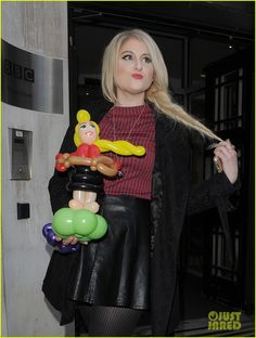 Meghan Trainor Eyes Writing With Sam Smith In The Future | meghan trainor balloon lookalike sam smith grammy 05 - Photo