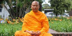 Tips para Encontrar Paz Interior Paz Interior, Raincoat, Sari, Fitness, Buddhist Monk, Interiors, Live, Wood, Houses