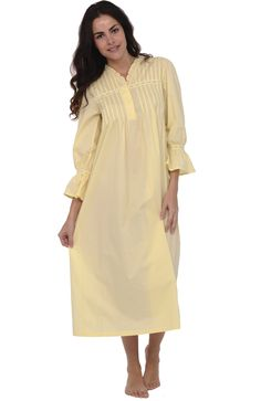 45417246a7 Alexander Del Rossa Women s Romeo and Juliet Bell Sleeve Victorian Nightgown  at Amazon Women s Clothing store