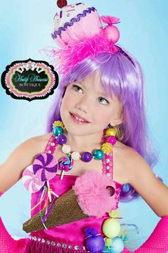 Items similar to Candyland Katy Perry Chunky Beaded Necklace with Lollipop Pendant. Purim Costumes, Candy Costumes, Halloween Costumes For Girls, Crazy Hat Day, Crazy Hats, Candyland, Katty Perri, Disfraz Katy Perry, Costume Bonbon