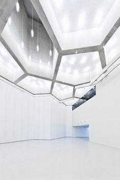 ceiling and light design, faceted, angular architecture - Ivan Suta | geometric design