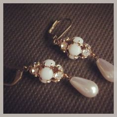 Vintage crystal and pearl earrings. $20. Find D. Wallace Designs on Facebook. #jewelry #fashion #design #jewelry #vintage
