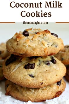 Coconut Milk Cookies with luscious tropical flavor from coconut milk plus shredded coconut. A little bit exotic and a lot delicious! Baking Recipes, Cookie Recipes, Scd Recipes, Drink Recipes, Coconut Milk Recipes, Desserts With Coconut Milk, Milk Cookies, Coconut Cookies, Cacao Nibs