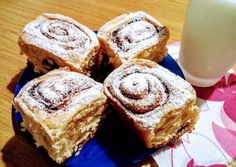 Pihe-puha kakaós és fahéjas csigák | Kilecz Szilvia Mária receptje - Cookpad receptek Kakao, Finger Foods, Banana Bread, French Toast, Muffin, Cookies, Baking, Breakfast, Sweet