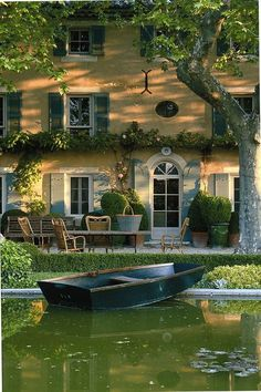 This is a summer dream house - love the soft yellow exterior. Some cottage! Outdoor Spaces, Outdoor Living, Outdoor Decor, Beautiful Homes, Beautiful Places, Beautiful Dream, Absolutely Gorgeous, Haus Am See, French Countryside