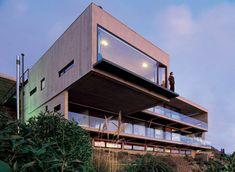 Casa 11 Mujeres próximo a Santiago no Chile desenhada pelo arquiteto Mathias Klotz.
