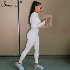 Matching Outfits, Cute Outfits, Casual Outfits, Crop Top And Leggings, Activewear Sets, Workout Attire, Mode Streetwear, Streetwear Fashion, 2 Piece Outfits