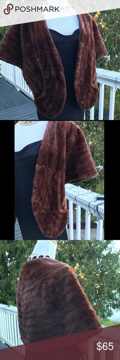 """🍁Reddish Brown Vintage 💯Mink Fur W/Satin Lining 🍁This is a very pretty but also very Vintage Reddish Brown Mink Wrap Stole with two pockets and dark green Satin Lining ~ it has some wear on the fur  a few spots of the fur are a little worn with minimum shedding but it's a beautiful mink wrap for the price & will still make a fashion statement ~ has one embroidered """"C"""" on the inside and the label is """"Scholl's Furs"""" ~ if you need more photos or measurements ~ please ask and I will provide…"""