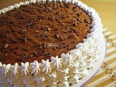 tort cu ciocolata si nuca Chocolate Cream, Melting Chocolate, Walnut Countertop, Fun Desserts, Dessert Recipes, Walnut Cake, Nigella, Delicious Chocolate, Cheesecakes