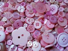 JOB LOT 100g PINK BUTTONS, Assorted Sizes CRAFTS CHRISTMAS PALE PINK BUTTONS