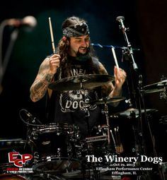 MP / THE WINERY DOGS