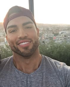 See photos and videos by Mario Rodriguez Jr. Just Beautiful Men, Gorgeous Black Men, Hot Mexican Men, Hispanic Men, Best Beard Styles, Latin Men, Bald Men, Attractive Guys, Good Looking Men