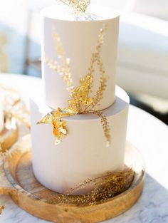 Lilac's and Golden Fire Wedding Ideas in Malibu Black Wedding Cakes, Lilac Wedding, Modern Wedding Cakes, Wedding Cake Centerpieces, Wedding Cupcakes, Creative Wedding Cakes, Wedding Cake Designs, Wedding Cake Inspiration, Wedding Ideas