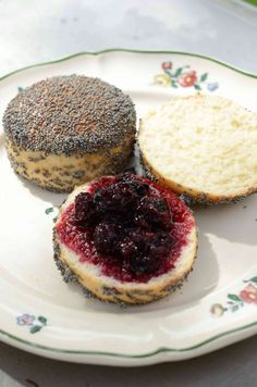 a00019 Bread Recipes, Baking Recipes, Snack Recipes, Snacks, Food N, Food And Drink, Honey Pie, Scandinavian Food, Bread Bun