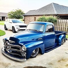 Hot Wheels - Holy smoke igers , bit of an understatement but @shoeboxsteveo has absolutely killed it with his Chevrolet 3100, you like this igers! Such a nice truck ! #chevrolet #gmc #3100 #bagged...