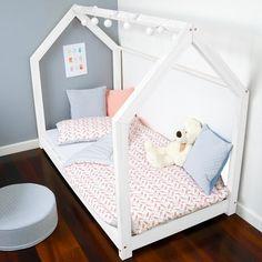 Betten -  Bett aus Masivholtz Haus-förmig 120x200 CM Weiss - ein Designerstück von Benlemi bei DaWanda