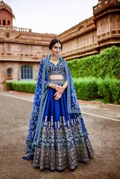 Unique patterned offbeat lehenga choli for this wedding season is being preferred over red. Choose a lehenga that makes everyone's hearts flutter. Multicolored lehenga to slay your bridal look this season. Designer Bridal Lehenga, Indian Bridal Lehenga, Indian Bridal Outfits, Pakistani Bridal, Indian Dresses, Bridal Dresses, Dress Wedding, Lehenga Choli Wedding, Bollywood Bridal