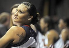 Tahnee Robinson, the first Native American to be drafted into the WNBA, is Pawnee and Eastern Shoshone. Native American Images, Native American History, Native American Indians, American Sports, American Pride, Before Us, Women In History, First Nations, Role Models