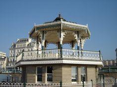 Brighton 'Birdcage' Bandstand http://bovingtonbitsandblogs.blogspot.com.es/2011/10/brighton-hove-robert-bovington-picasa.html