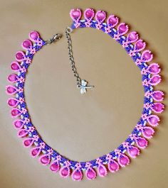 Free pattern for beaded necklace Macaroon   U need: seed beads 11/0 round beads 6 mm