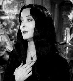 ✝ Caroyln Jones ✝ was Morticia Addams Addams Family Morticia, The Addams Family 1964, Die Addams Family, Morticia Adams, Gomez And Morticia, Adams Family, Family Tv, Family Values, Carolyn Jones