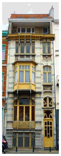 Architecture in Brussels Gustave Strauven, Villa Kjobenhavn, 1899  52, rue Souveraine, 1050 Ixelles