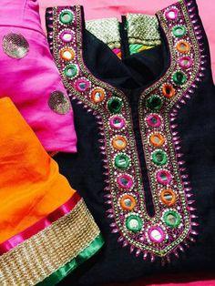 mirror nd treat work Kurta Pajama Punjabi, Punjabi Salwar Suits, Salwar Kameez, Patiala, Punjabi Fashion, Indian Fashion, Pakistani Outfits, Indian Outfits, Neckline Designs