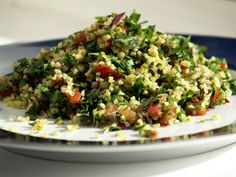 Tabouli Recipe (Middle Eastern bulgur and parsley salad) Heart Healthy Recipes, Vegetarian Recipes, Cooking Recipes, Vegetarian Dish, Herb Recipes, Parsley Recipes, Easy Recipes, Clean Eating, Healthy Eating