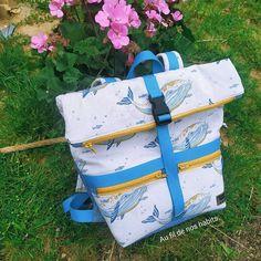 Elodie Mln sur Instagram: Vous reprendrez bien un petit @patrons_sacotin ?! Cette fois un #sactroika cousu pour moi (on n'est jamais mieux servi que par soi-même… Diaper Bag, Instagram, Sewing, Diaper Bags, Mothers Bag