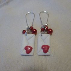 Boucles d'oreilles enveloppes coeurs-pour oreilles percées