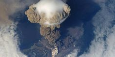 Pileus cap over a Pyrocumulus cloud: Russia's Sarychev Volcano, on Matua Island in the Kuril Islands, erupting on 12 June as seen from the International Space Station (ISS). Natural Phenomena, Natural Disasters, Volcan Eruption, Assurance Vie, Erupting Volcano, Active Volcano, Discovery Channel, Extreme Weather, Belleza Natural