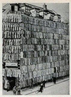 Large coat sale in Copenhagen, Denmark, 1936 pic.twitter.com/ufixaWhlLq