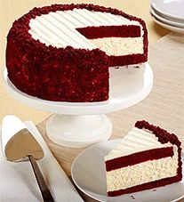 Recipe for Red Velvet Cheesecake Cake - Two layers of red velvet cake with a layer of cheesecake in the middle, topped with cream cheese frosting. Red Velvet Cheesecake Cake, Velvet Cake, Raspberry Cheesecake, Strawberry Desserts, Raspberry Beer, Yummy Treats, Sweet Treats, Yummy Food, Food Cakes