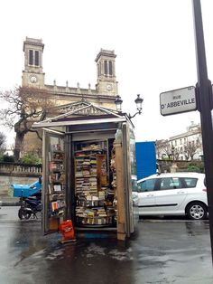 Littlest bookstore. re-pinned by: http://sunnydaypublishing.com/books/