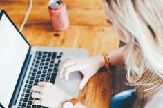 Zaawansowana technologia jest nieodłącznym elementem naszego życia. Komputera używamy codziennie – w domu, pracy oraz w szkole. Jednak co zrobić, jeśli Twoje dziecko spędza cały wolny czas wpatrując się w ekran? Pew Research Center przeprowadziło prace badawcze na temat częstotliwości korzystania z internetu przez współczesnych nastolatków. Badanie wykazało, że 56% nastolatków w wieku 13-17 lat …
