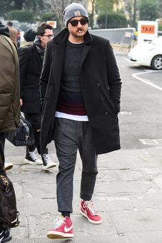 Street Chic, Street Wear, Street Style, Outfits Hombre, Gentleman Style, Grey Pants, Smart Casual, Winter Outfits, Winter Fashion