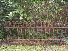 """DIY Simple Fence- Made from PVC and dollar store garden boarders. Easy pop-up fence, could be used for """"crowd patrol"""" at shows & events. Diy Garden Fence, Backyard Fences, Garden Gates, Garden Art, Garden Landscaping, Garden Works, Fence Planters, Glass Garden, Planter Boxes"""