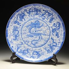Exquisite Chinese Blue and White Porcelain Plate Hand-painted 9 Dragon