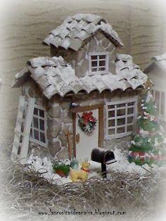 Anaisa workshop: Casita with juice boxes Diy Christmas Village, Christmas Villages, Diy Christmas Ornaments, Christmas Home, Christmas Holidays, Christmas Decorations, Diy Craft Projects, Decor Crafts, 242